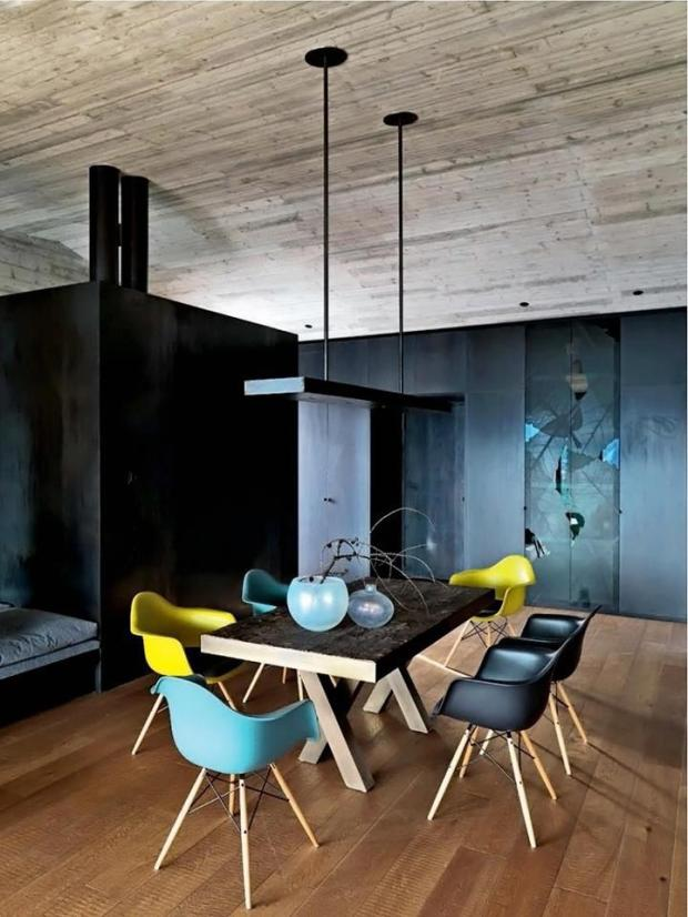 Dining Chairs Need Not Match To Make A Powerful Statement